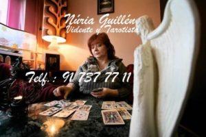 Tarot telefónico de Nuria Guillén
